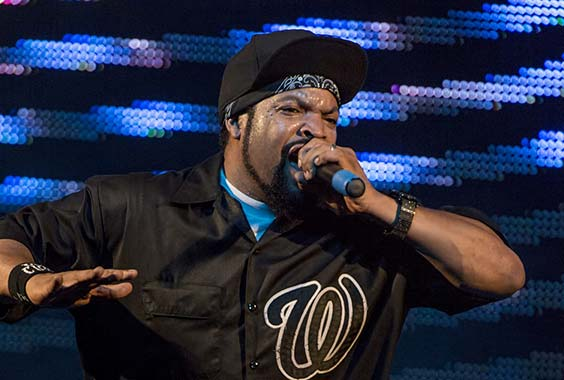 ice cube performing live