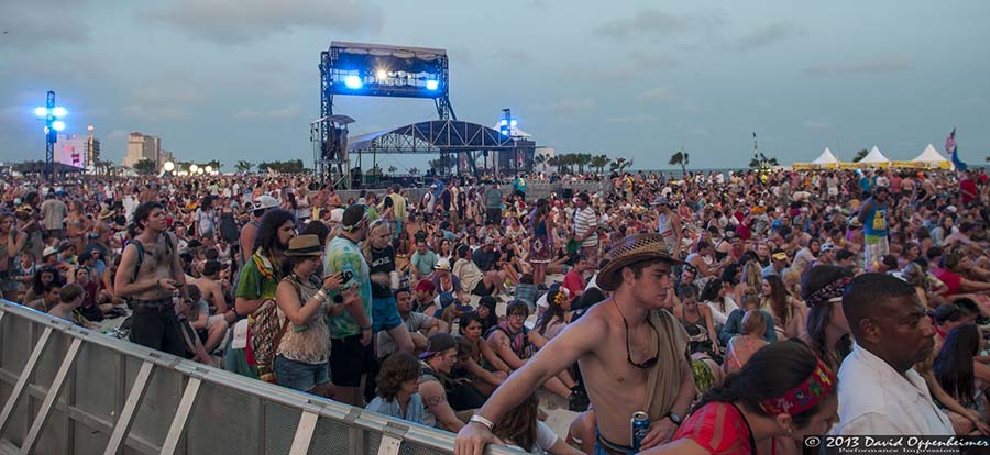 crowd photo at Hangout Music Festival