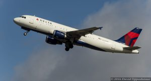 Delta Air Lines Airbus A320 at Takeoff