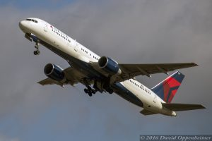 Delta Air Lines Boeing 757 at Takeoff