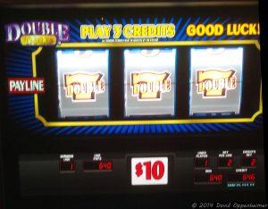 Jackpot with 777 on Slot Machine